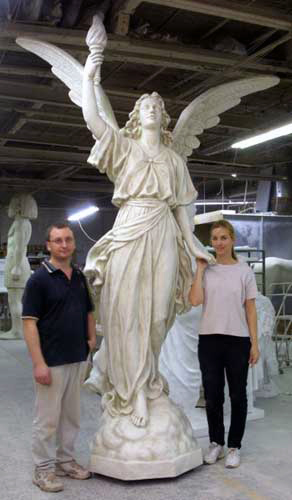 Angel Of Light Right Only 10 Statue